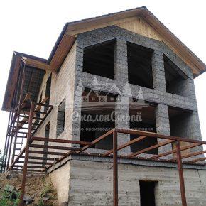 Дом из арболита, построен компанией